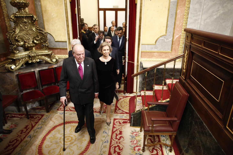 Don Juan Carlos y Doña Sofía, en el Congreso.