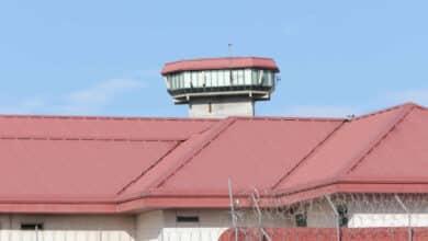 Funcionarios de prisiones estallan tras la fuga de dos peligrosos aluniceros de la cárcel de Valdemoro