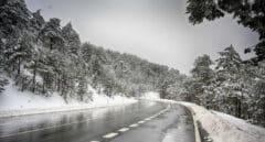 Rescatan a cinco jóvenes en zapatillas y vaqueros a 1.970 metros en Navacerrada y con síntomas de hipotermia