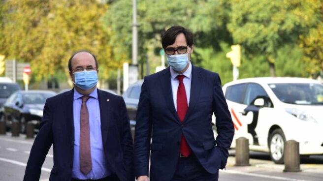 El ministro de Sanidad, Salvador Illa, acompañado por Miquel Iceta.