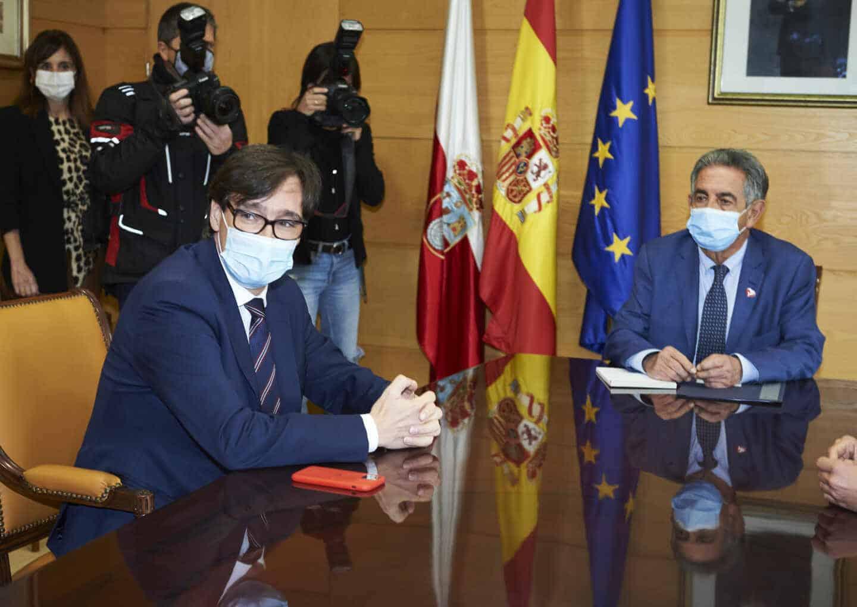 Salvador Illa y Miguel Ángel Revilla.