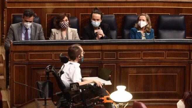 Carmen Calvo, Pablo Iglesias, Nadia Calviño y Pablo Echenique, en el Congreso de los Diputados.