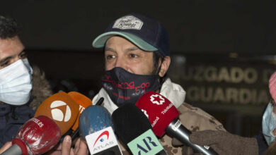 La caótica salida de Rafael Amargo de su domicilio tras su puesta en libertad