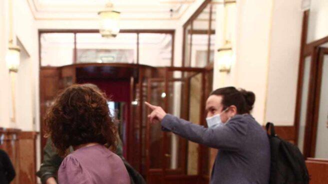 María Jesús Montero y Pablo Iglesias, en el Congreso.