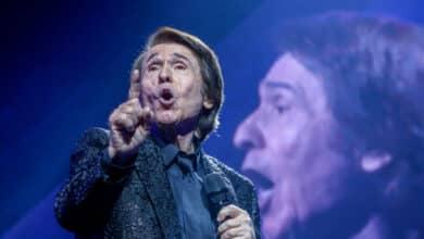 Raphael triunfa en Madrid ante 5.000 personas en el concierto con más aforo de la pandemia