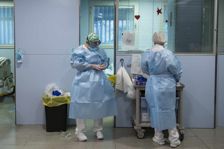 Personal sanitario de la Unidad de Cuidados Intensivos (UCI)