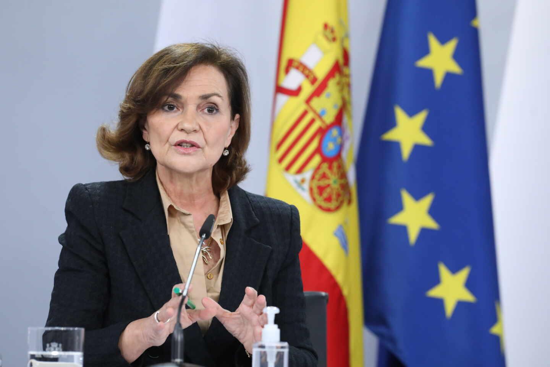 La vicepresidenta primera del Gobierno, ministra de la Presidencia, Carmen Calvo, comparece en rueda de prensa posterior al Consejo de Ministros en Moncloa.