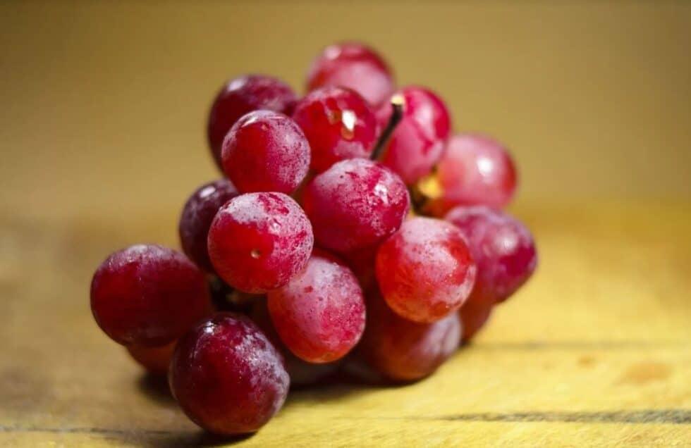 Los cinco rituales de la buena suerte que no puedes olvidar para la última noche del año comerse las doce uvas