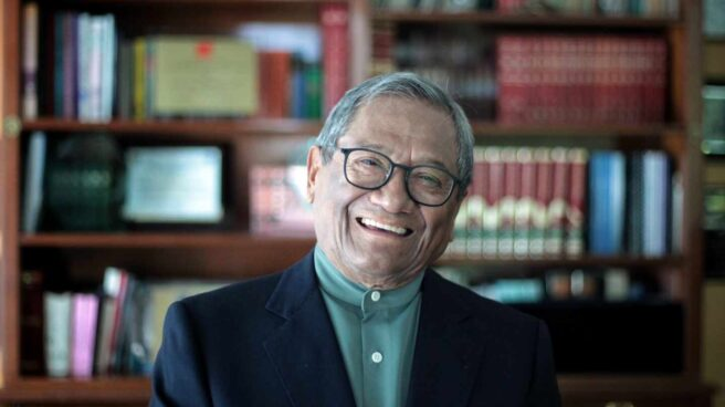 Muere a los 85 años el cantautor mexicano Armando Manzanero por Covid-19