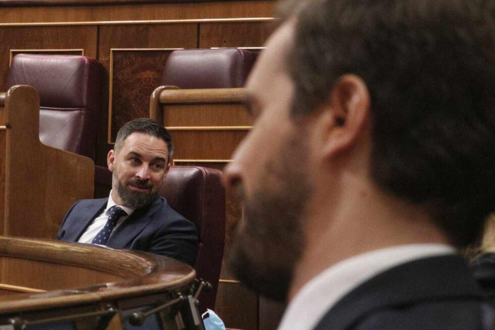 El líder de Vox, Santiago Abascal, y el líder del PP, Pablo Casado.