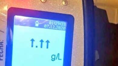 Un conductor borracho rompe el alcoholímetro y supera el máximo que puede medir