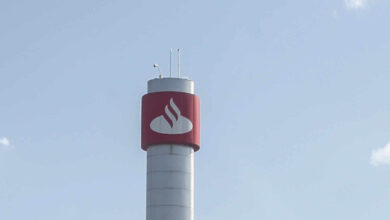Banco Santander aflora una participación del 3,5% en Repsol a través de derivados financieros