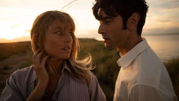 Blanca Suárez y Javier Rey en 'El verano que vivimos'.