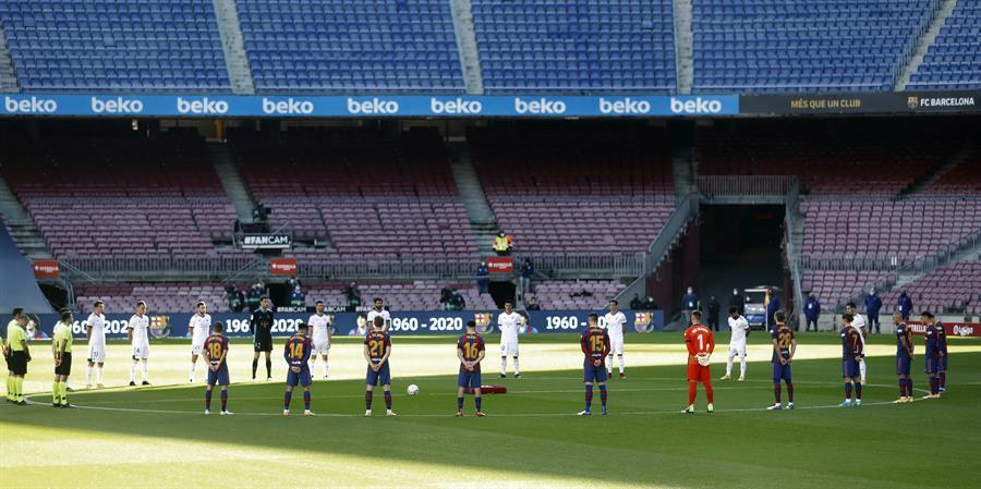 El Camp Nou, vacío durante el Barcelona-Osasuna de Liga.