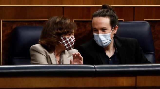 Carmen Calvo y Pablo Iglesias, en el Congreso de los Diputados.