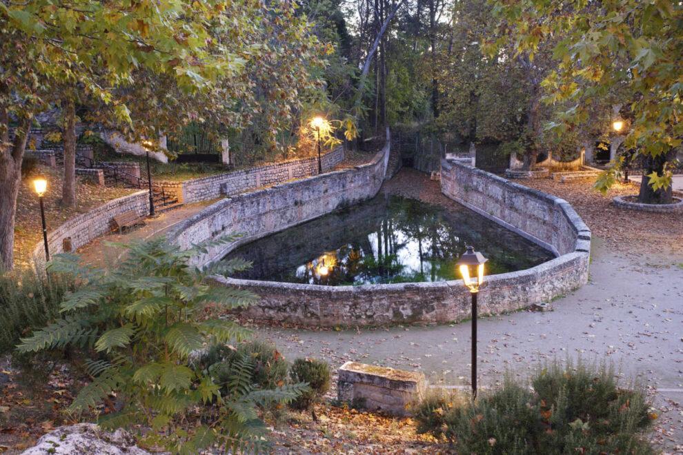 Fuente de Aynadamar o de las lágrimas en Alfacar (GR). A través de la acequia del mismo nombre, llegaba el agua al Albaycín