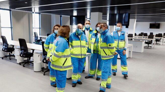 Trabajadores del SUMMA en el Hospital Isabel Zendal.