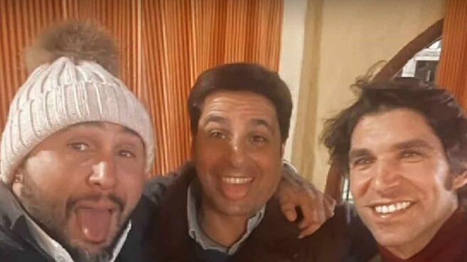 Los hermanos Kiko, Francisco y Cayetano Rivera celebran juntos la Navidad.