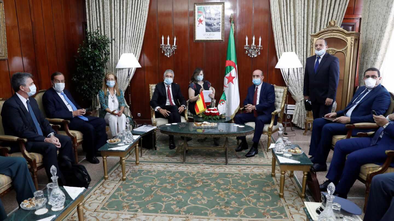 El ministro Grande-Marlaska, durante su encuentro con las autoridades argelinas el pasado 10 de agosto.
