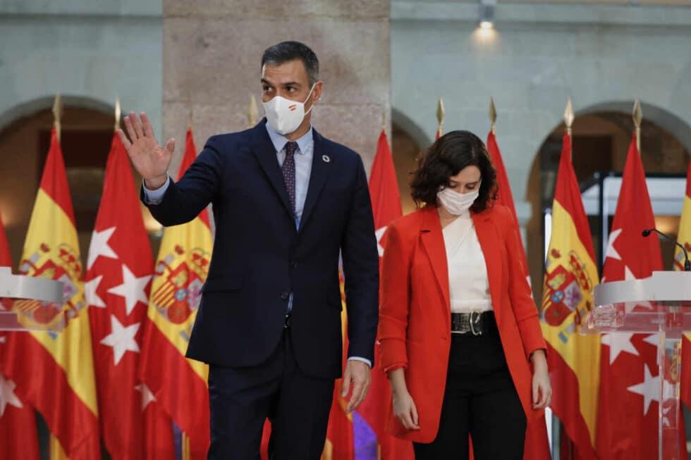 El presidente del Ejecutivo, Pedro Sánchez y la presidenta de la Comunidad de Madrid.
