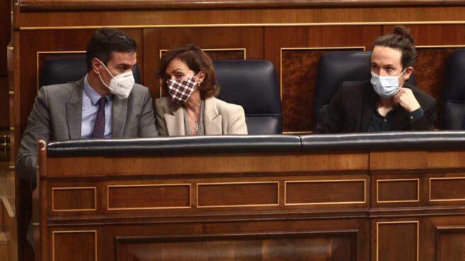Pedro Sánchez, Carmen Calvo, Pablo Iglesias y Nadia Calviño, en el Congreso de los Diputados.