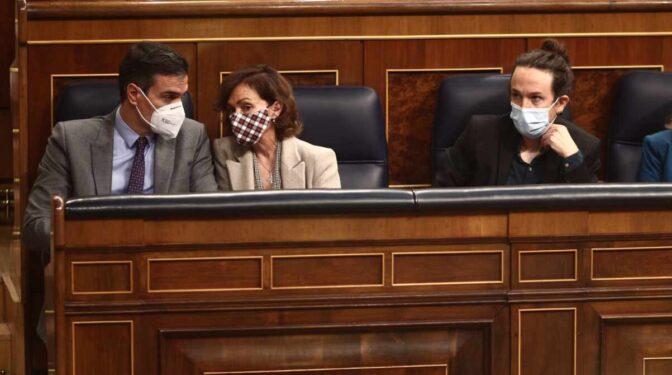 Malestar por el control de Carmen Calvo del Consejo de Ministros