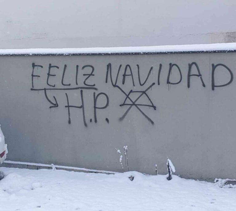 Aparecen pintadas frente a la casa de una de las mujeres agredidas en Alsasua