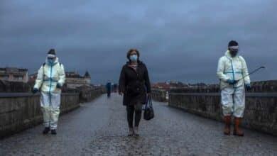 Un año de pandemia: de un turista alemán a las primeras vacunaciones