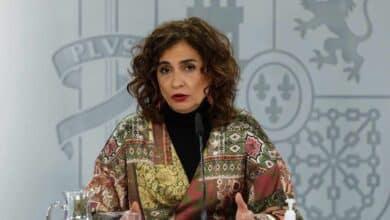 """Montero insiste en que dentro del actual decreto """"hay margen"""" para luchar contra el Covid"""