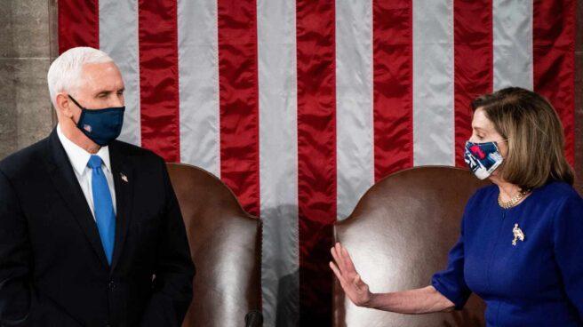 Mike Pence y Nancy Pelosi, en el Congreso de EEUU.
