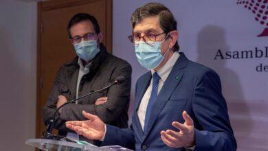 La esposa del consejero de Salud de Murcia también se vacunó contra el coronavirus