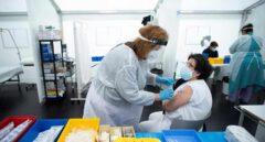 Varias CCAA se saltan el protocolo para mejorar las cifras de vacunación