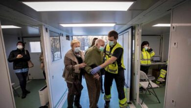 Sanidad aprueba que los mayores de 80 años sean los siguientes en recibir la vacuna