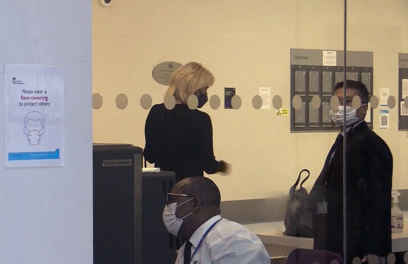 Captura de video de la empresaria alemana Corinna Larsen en los juzgados de Londres.