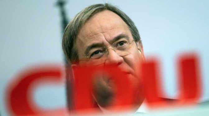 El continuista Armin Laschet liderará el partido de la canciller Merkel