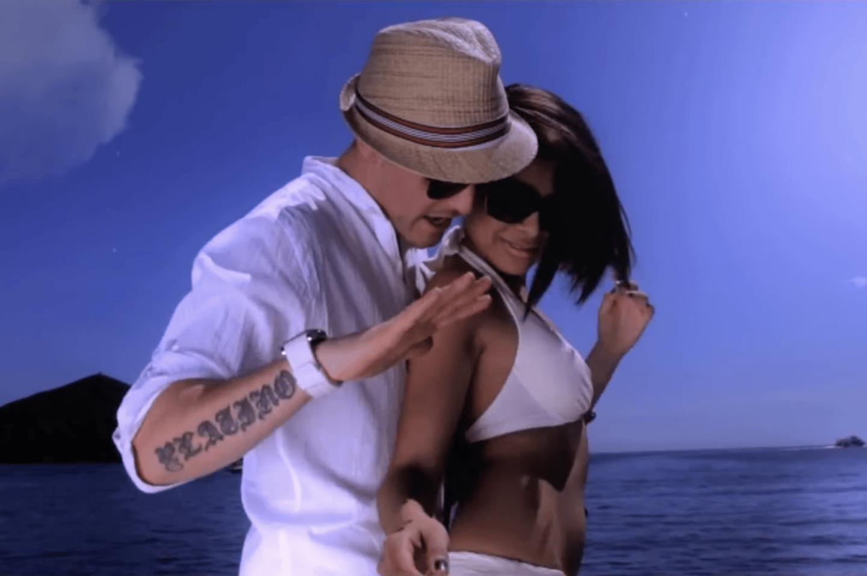 Jay Santos en el videoclip de 'Noche de estrellas'.