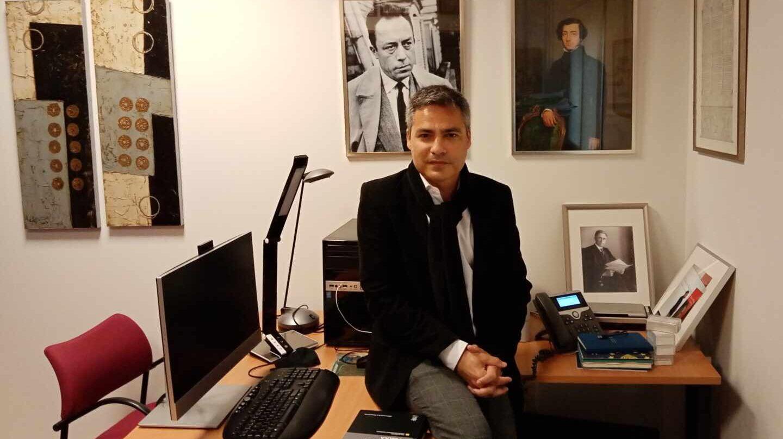 Emilio Guichot, en su despacho de la Facultad de Derecho de la Universidad de Sevilla.