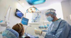 El Consejo General de Dentistas ofrece su colaboración para vacunar contra el Covid-19