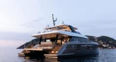 El colosal yate de Rafael Nadal atraca en el puerto de Dénia, pasará allí el invierno