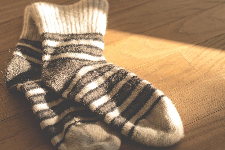 En segundo lugar, también es muy importante utilizar calcetines de fibras naturales, que permitan una buena traspiración y eviten el exceso de sudoración.