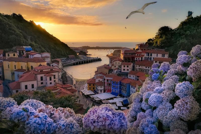 Estos son los 11 pueblos más bonitos de España cudillero asturias principado de asturias