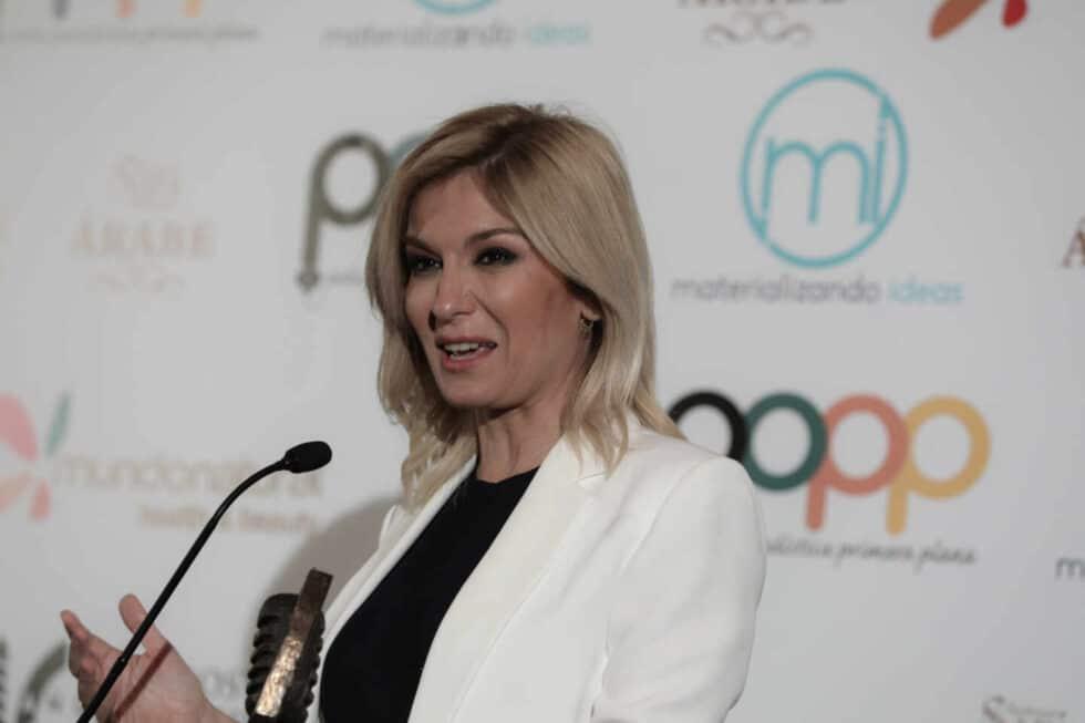 Sandra Golpe, que presenta y dirige a diario Antena 3 Noticias 1.
