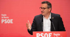 """El PSOE sospecha que """"altos cargos en Madrid"""" se vacunaron con dosis de Murcia"""