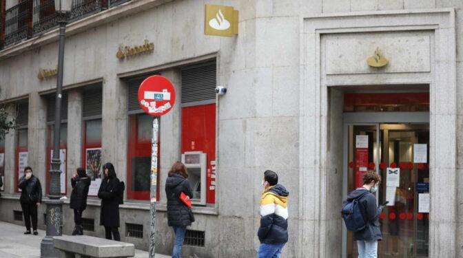 La banca cree que la atención física en oficina es de lo menos demandado por los clientes
