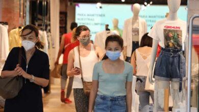¿Protegen las mascarillas de tela contra las nuevas cepas? La OMS avisa