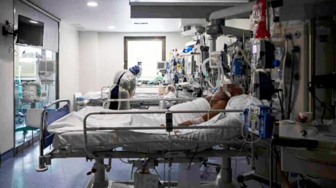 UCI del Hospital Ramón y Cajal durante la segunda ola del COVID-19