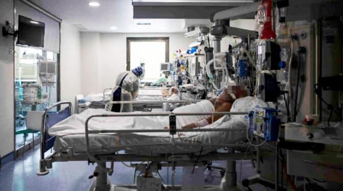 """Alerta de los médicos de Madrid: """"En dos semanas estaremos en situación de desbordamiento"""""""