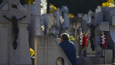 El año 2020 cierra con 70.703 muertes más de la esperadas