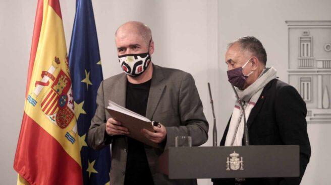 El secretario general de CC.OO., Unai Sordo, y el secretario general de UGT, Pepe Álvarez
