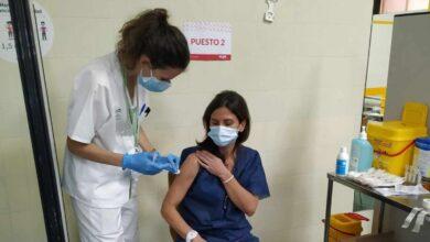 Reacciones adversas a la vacuna del Covid: las sufre el 0,08%, la mayoría mujeres y sanitarios